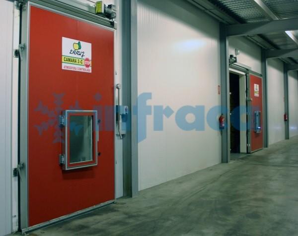двери для фруктохранилищ