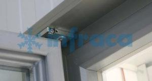 петли стеклянной холодильной двери