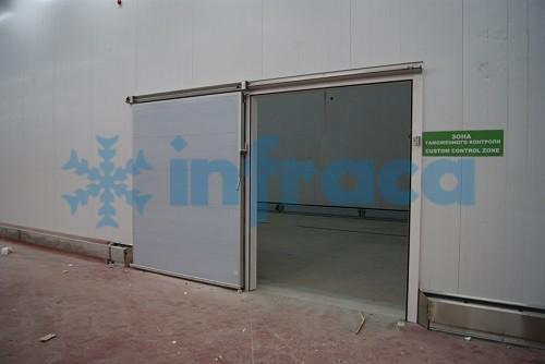 Откатная холодильная дверь Infraca